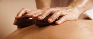massaggio-ayurvedico-pietre-1