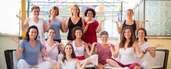 yoga-donna-ciclica